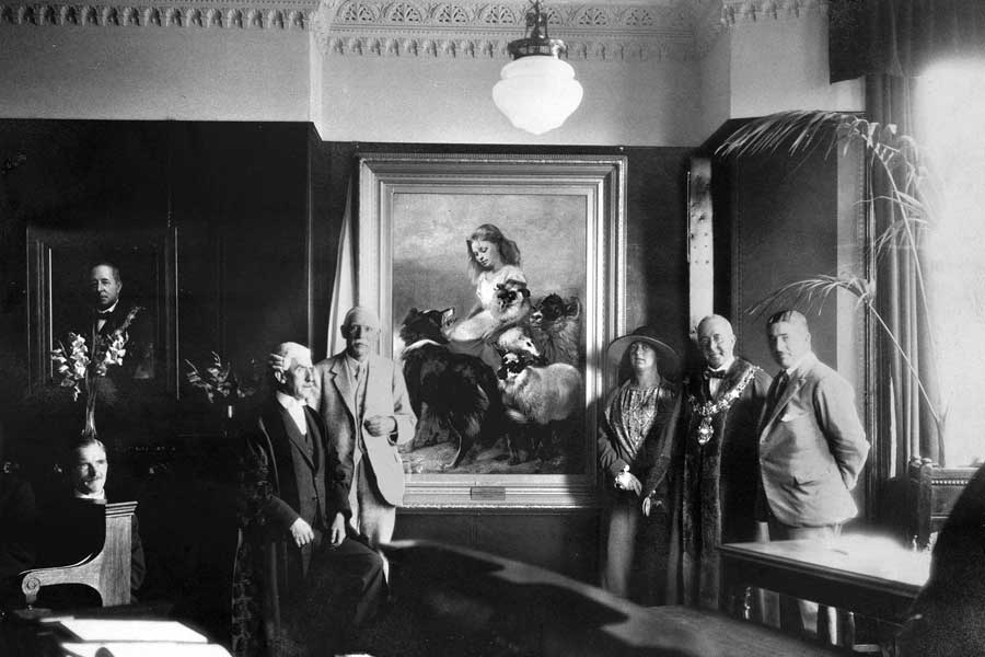 Presentation of the Herd Lassie painting to the Borough of Lytham St Annes in 1925